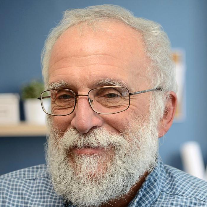 Portrait of Dr Bruce Kinosian